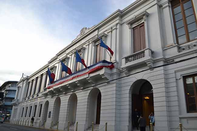 Govt debt payment up in October