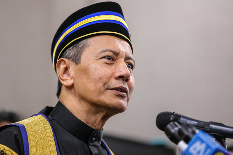 Speaker rejects Anwar's motion to debate Emergency laws for submitting too early