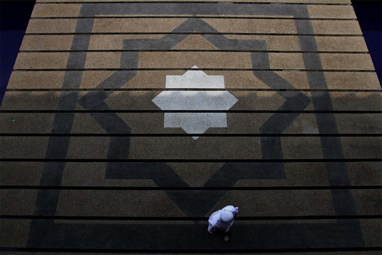 Sabah allows 300 congregants for Friday prayers at main mosques, says state minister