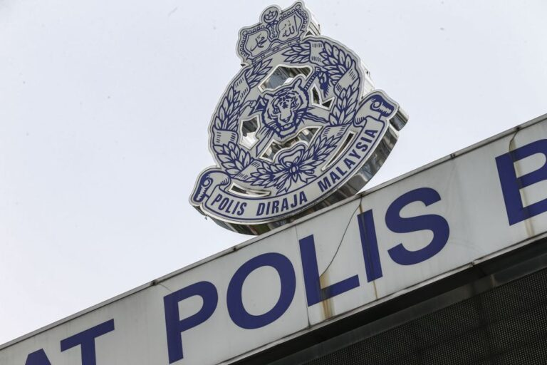 In Shah Alam, cops arrest senior citizen for driving against flow of traffic